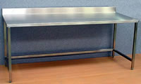 fabrication-inox-table-adossée-arcometal.jpg